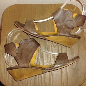 Women's Coclico Low Wedge Leather Sandal 36